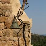 Photo de l'Oiseau, cloche et marteau, bronze et fer